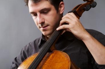 Ariel Barnes, cello.