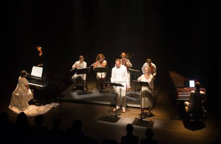 The full ensemble performing the finale by Alfredo Santa Ana/G.F. Handel.
